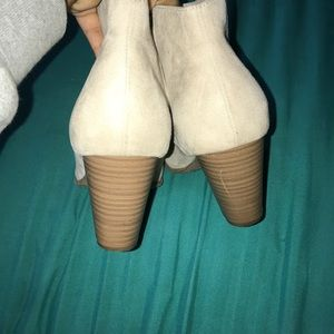 Cute Cream booties Good condition